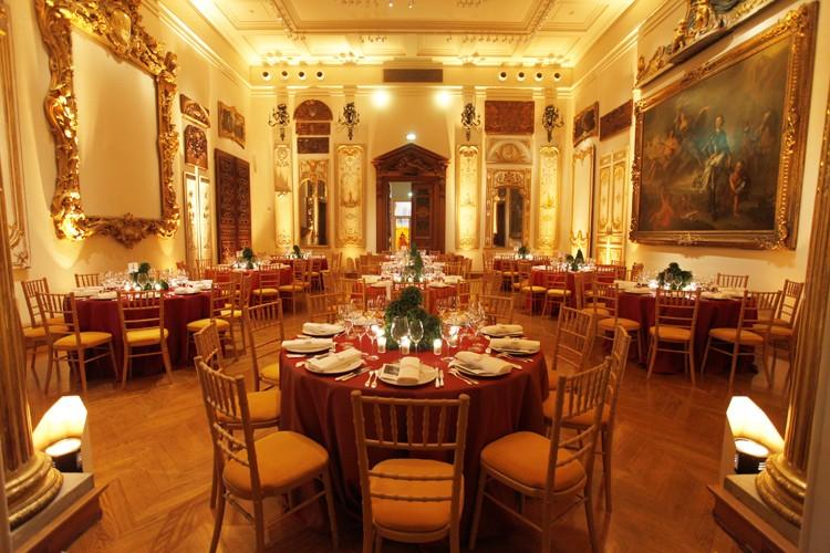 Artes decorativas - organización de comidas de empresa en un museo.