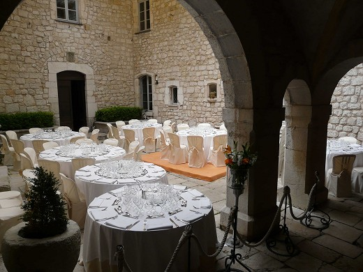 Chateau de Gourdon außerhalb 3