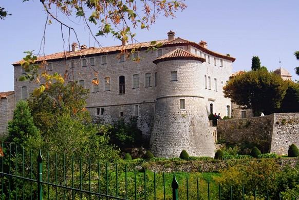 Chateau de Gourdon außerhalb