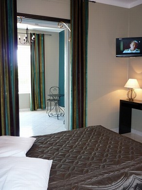 Adonis sanary - bedroom
