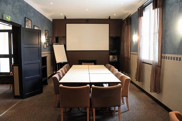 Adonis sanary - meeting room