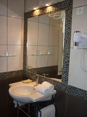 Adonis sanary - bathroom