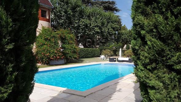 Alphéran castle - swimming pool