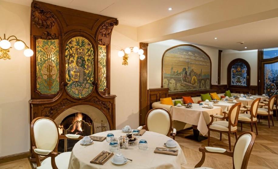 Restaurante Pluvinel - Hotel Regina