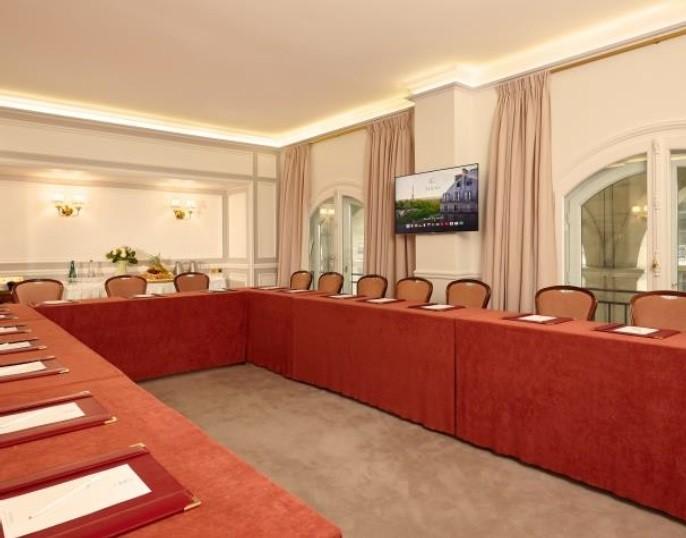 Jeanne - Hotel Regina