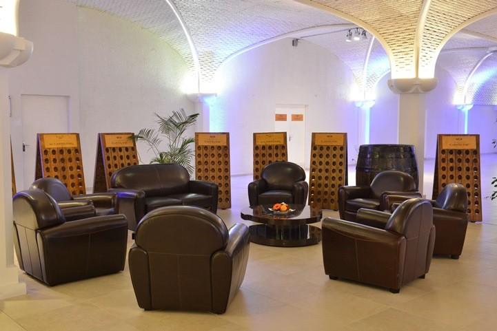 Caveau castelnau - sofás club