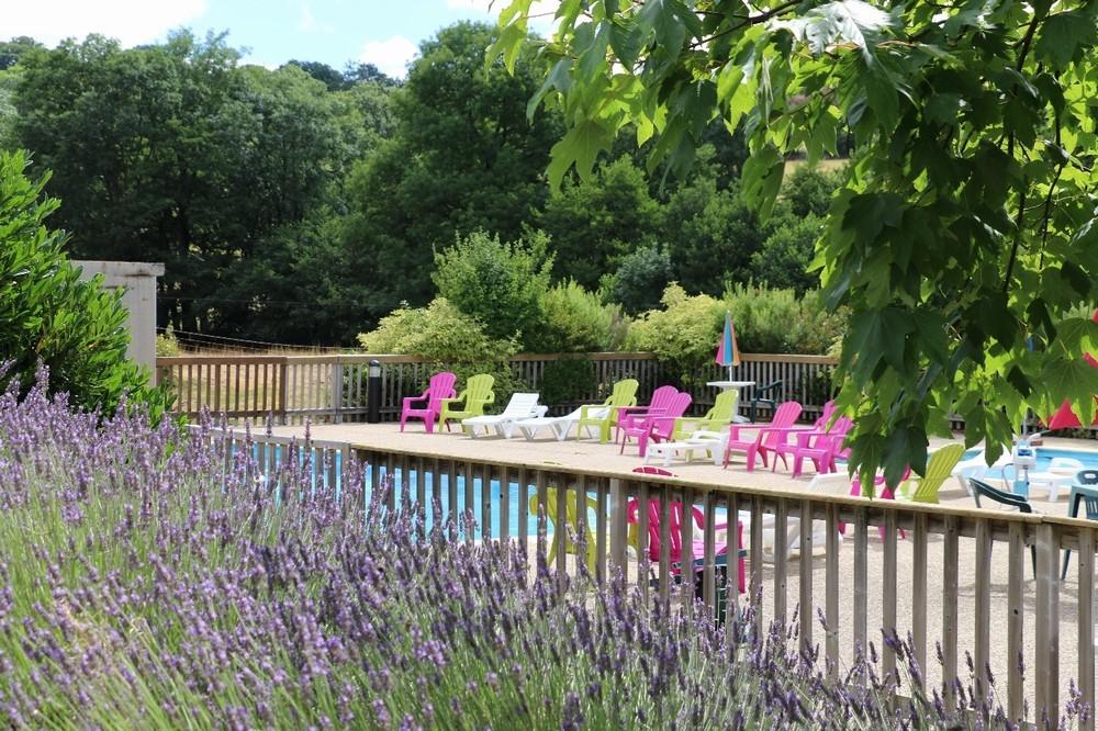 Gorra Francia - flores de aubrac - piscina