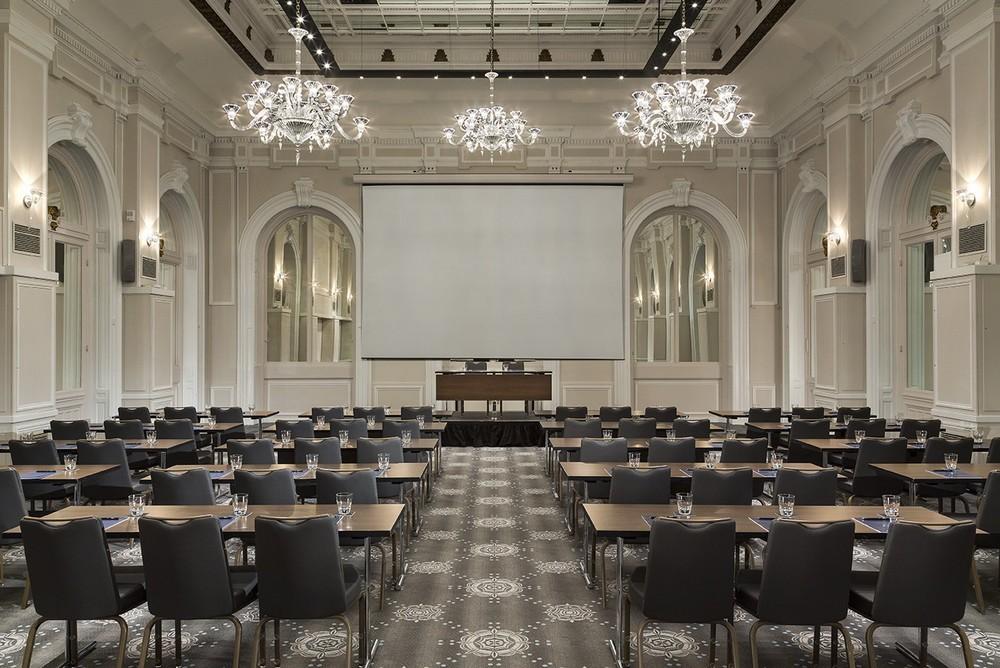Hilton Paris Opera - Baccarat Lounge