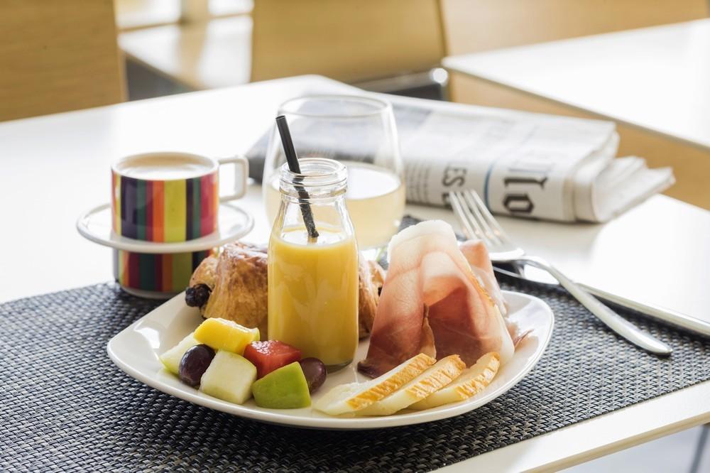 04_breakfast_04 min_6397