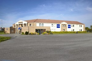 Kyriad Dunkerque Sud - Loon Plage - Hotel Exterior