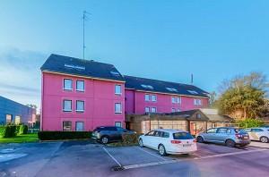 Comfort Hotel Lille-Mons en Baroeul - Estacionamiento