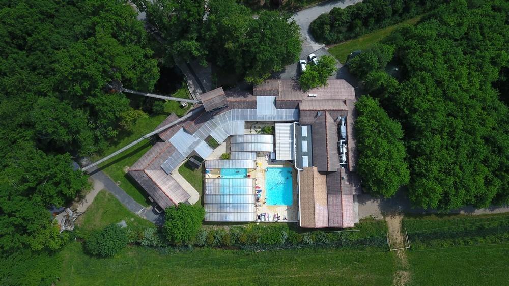 Defiplanet '- Luftaufnahme des Poolbereiches