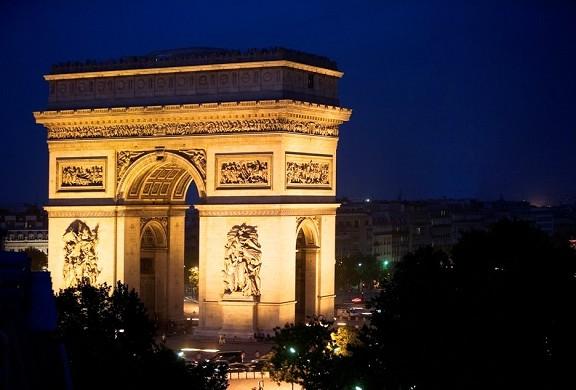 Radisson Blu Hotel, Boulogne paris - triumphal arch