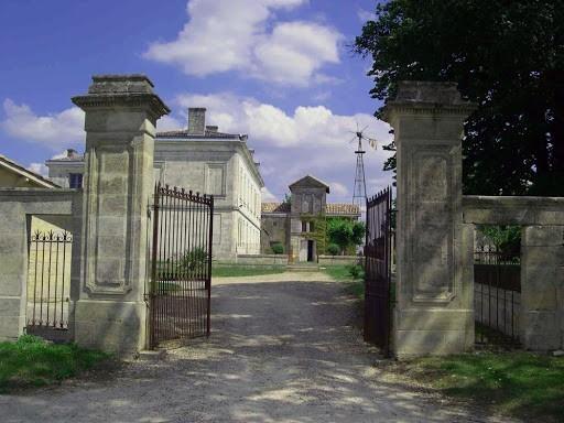 Château macay - extérieur