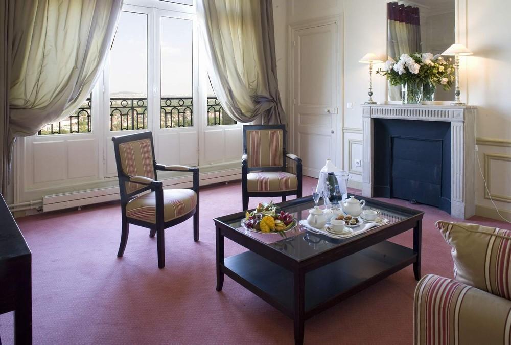 Le pavillon henri iv salle s minaire versailles 78 for Le salon saint germain en laye