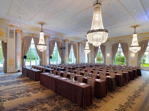 Trianon palace versailles, un hotel waldorf astoria - en clase