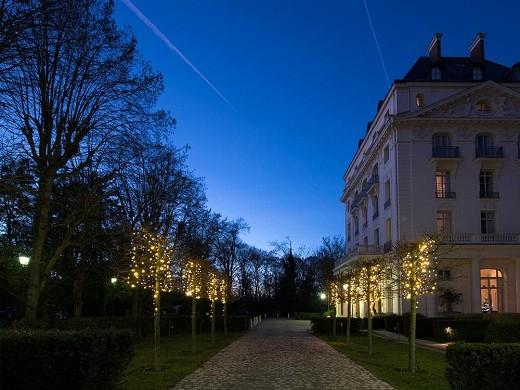 Trianon Palace Versailles, en el hotel Waldorf Astoria - Por la noche