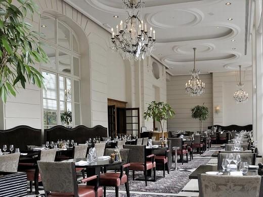 Trianon palace Versailles, un hotel waldorf astoria - restaurante la veranda