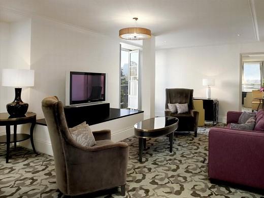 Trianon palace versailles, un hotel waldorf astoria - suite terraza
