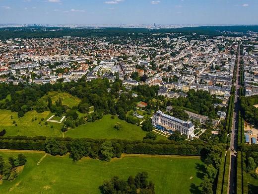 Trianon palace versailles, un hotel waldorf astoria: vista desde el cielo