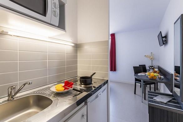 Zénitude toulouse fluvia - kitchen area