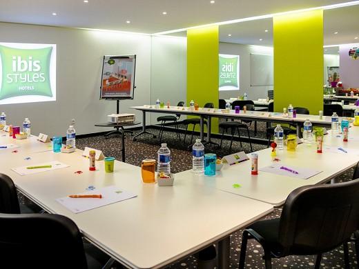Biblioteca ibis styles paris tolbiac - sala de reuniones