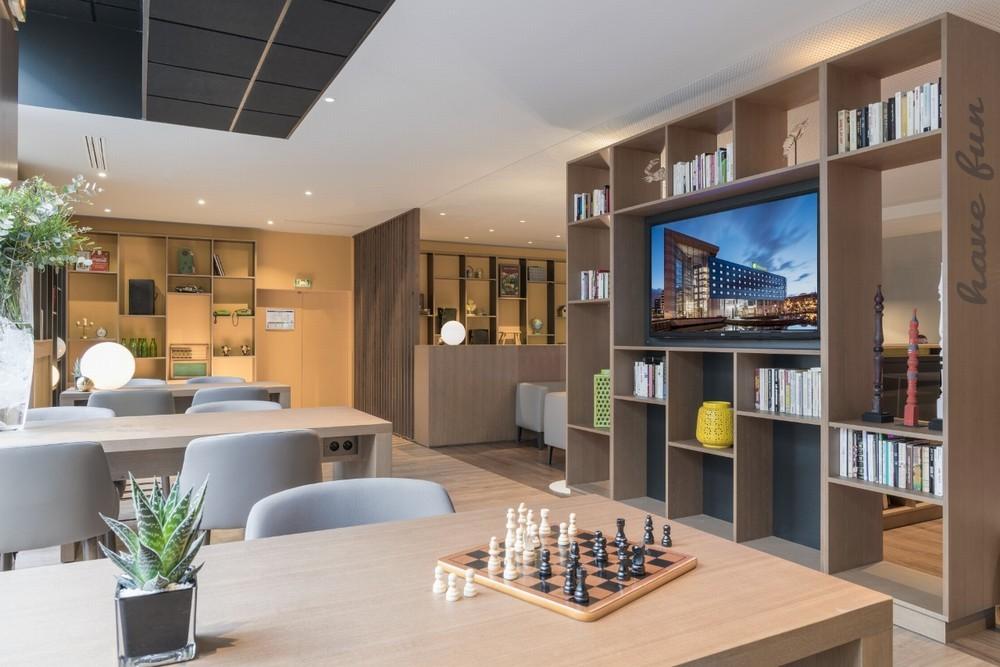 Holiday Inn Paris - Valle della Marna - lobby aperta