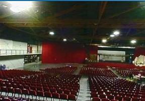 Sala delle gradinate Martigues 13