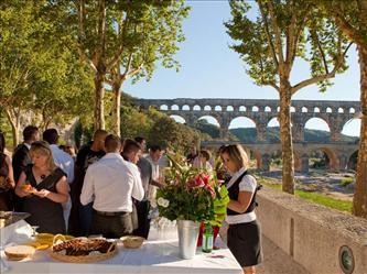 Sitio de Pont du Gard - explanada rive droite - configuración de boda c yann de fraeins