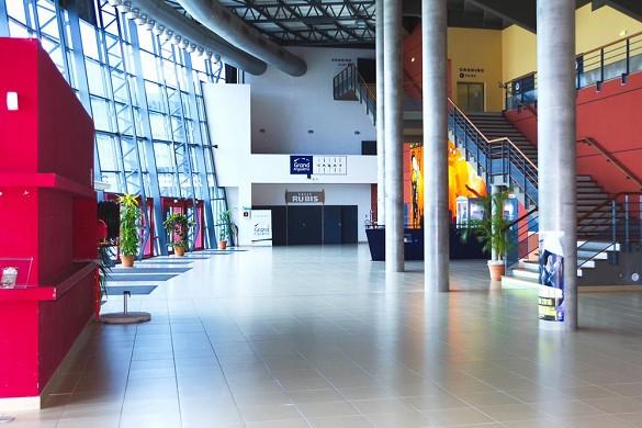 Carat area - hall