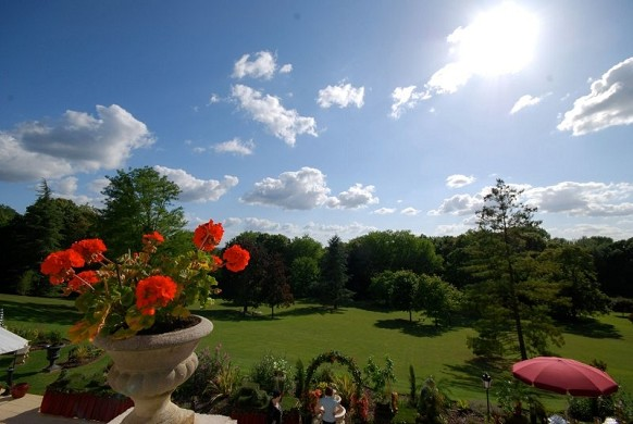 Chateau de la tour gouvieux - a park of 8 hectares