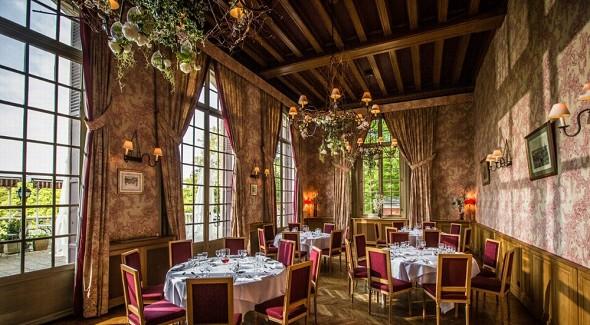 Chateau de la tour gouvieux - You can click to enlarge the photo