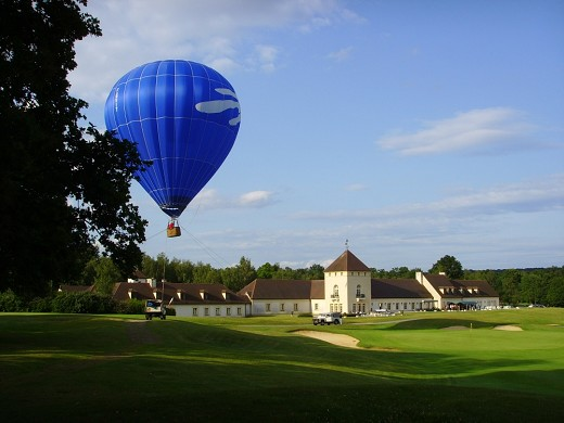 Apremont clubhouse and ballooning