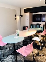 Salon for workshops or individual interviews