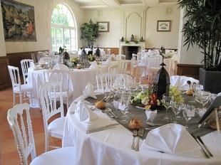 Chateau d OYRE camille constantin sala da pranzo vacanze Clermont-Créans