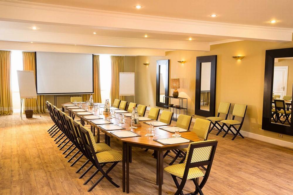 Room 1 - Hotel de France Angerville