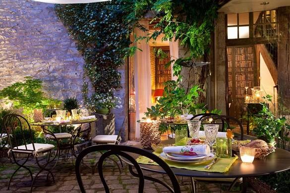 Hotel de france angerville - terrace