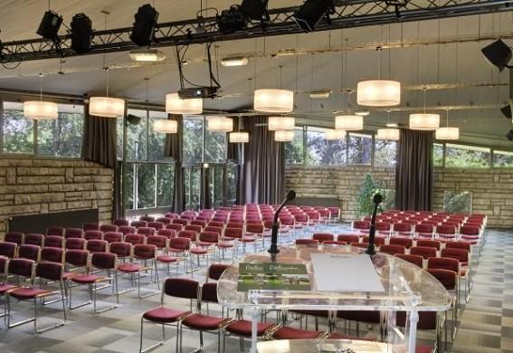 Le normont belambra - plenary room