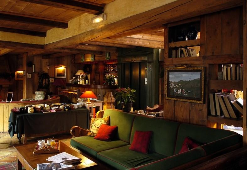 au coin du feu salle s minaire meg ve 74. Black Bedroom Furniture Sets. Home Design Ideas