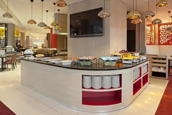 Clichy della porta di Holiday Inn Paris - buffet