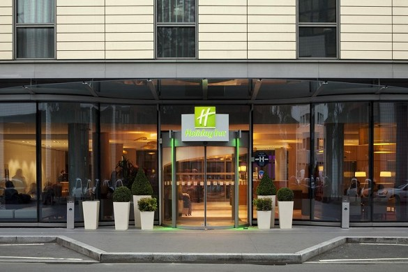 Holiday inn paris Porte de Clichy - entrance