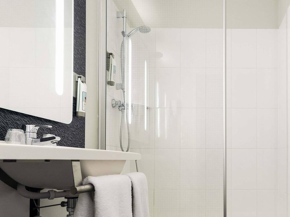 ibis laval le relais d 39 armor salle s minaire laval 53. Black Bedroom Furniture Sets. Home Design Ideas