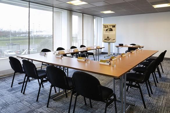 Mercure Paris Orly Rungis Airport - Meeting Room - U20 People Configuration