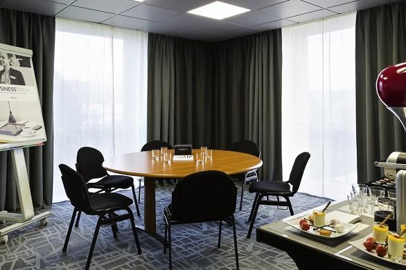 Mercure Paris Orly Rungis Airport - Meeting Room4 People