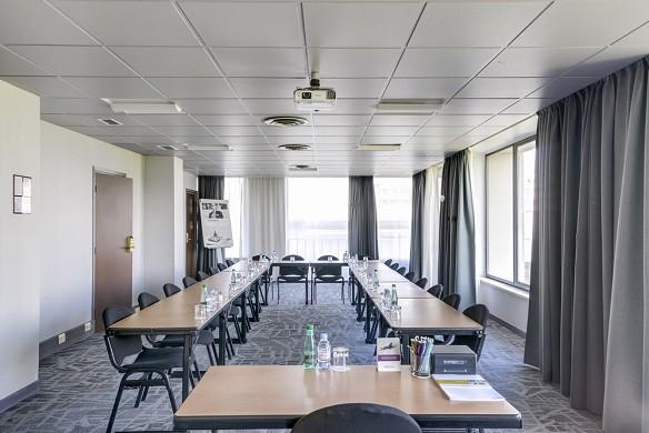 Mercure Paris Orly Rungis Airport - Meeting Room - Configuration u 30 People