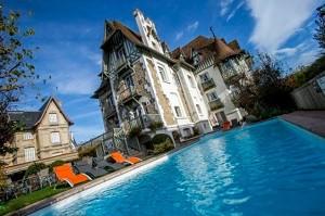 Hotel Augeval - Piscina