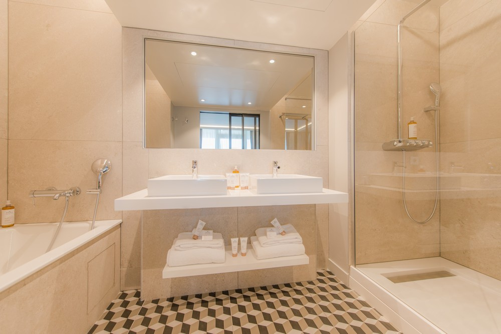The large terrace hotel and spa la rochelle mgallery by sofitel - bathroom