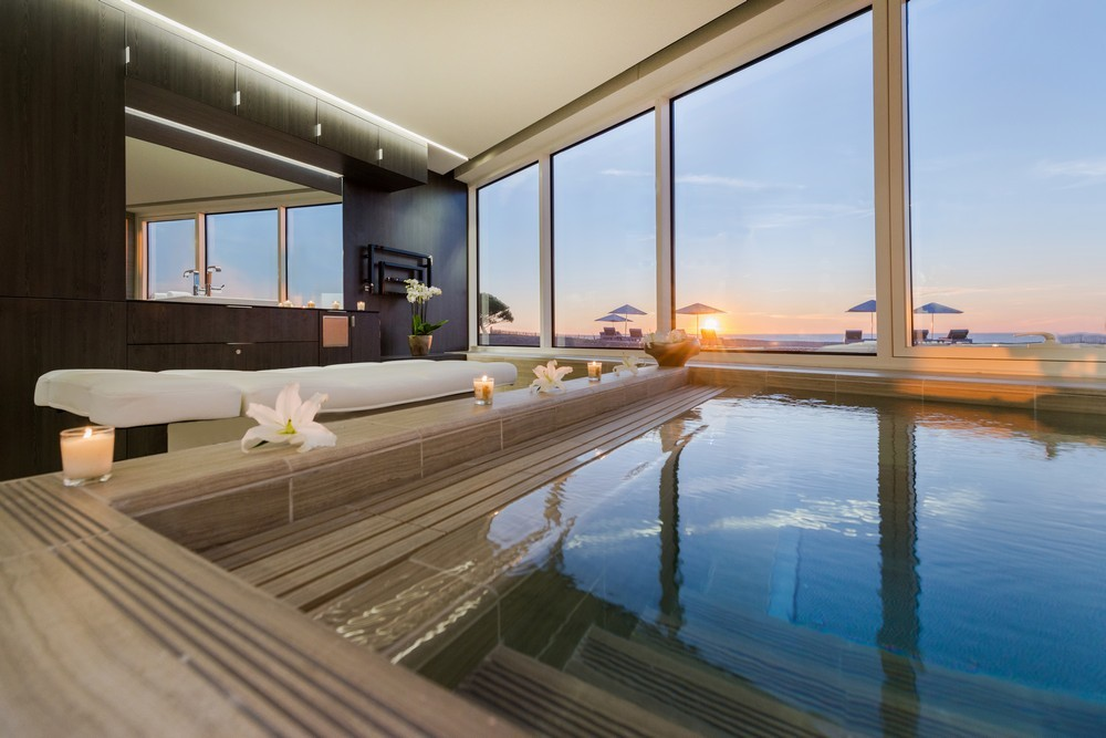 Das große terrasse hotel und spa la rochelle mgallery von sofitel - schwimmbad