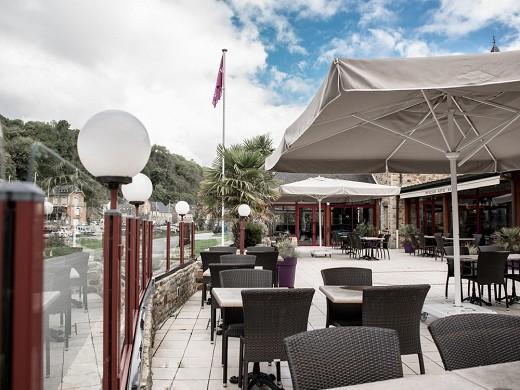 Mercure dinan port le jerzual - terraza del restaurante
