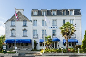 Armoric Hotel - Hotel Front
